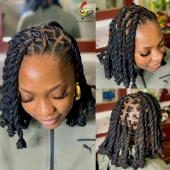 𝕭𝖊𝖆𝖚𝖙𝖎𝖋𝖚𝖑 𝕼𝖚𝖊𝖊𝖓 👸🏽 #womenwithlocs #loctwist #locs #nappy #locqueen #naturalhaircommunity #natural #blackwomen #dreads #dreadgirl #dreadlocks #locs #locks #locsrock #locstyles #voiceofhair #dreadlocs #hairstyle #blackhair #blackisbeautiful #blackiswonderful  #naturalrootsista #hair #lochairstyles