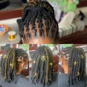𝐏𝐞𝐧𝐬𝐞𝐳 𝐚̀ 𝐚𝐜𝐜𝐞𝐬𝐬𝐨𝐢𝐫𝐢𝐬𝐞𝐫 𝐯𝐨𝐬 𝐜𝐨𝐢𝐟𝐟𝐮𝐫𝐞𝐬 😊  𝐏𝐫𝐨𝐜𝐡𝐚𝐢𝐧 𝐀𝐭𝐞𝐥𝐢𝐞𝐫 𝐝𝐞 𝐂𝐨𝐢𝐟𝐟𝐮𝐫𝐞 𝐥𝐞 𝟎𝟕/𝟎𝟐 #𝐥𝐢𝐧𝐤𝐢𝐧𝐛𝐢𝐨 𝐇𝐚𝐢𝐫𝐬𝐭𝐲𝐥𝐞 𝐛𝐲 @locks_passion #womenwithlocs #loctwist #locs #nappy #naturalhaircommunity #natural #blackwomen #dreads #dreadgirl #dreadlocks #locs #locks #locsrock #locstyles #voiceofhair #dreadlocs #hairstyle #blackhair #blackisbeautiful #blackiswonderful  #naturalrootsista #hair #lochairstyle #hairstyle